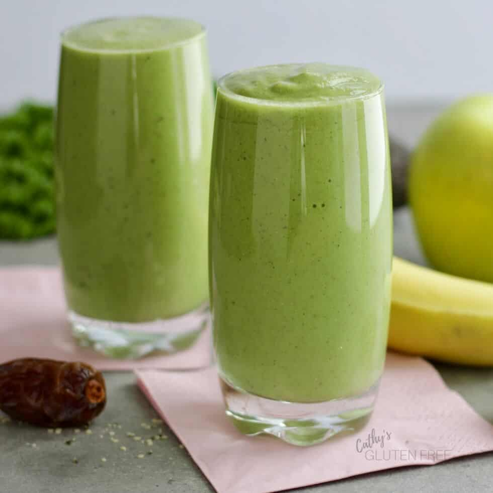 Delicious, Healthful, Creamy, Green Smoothie