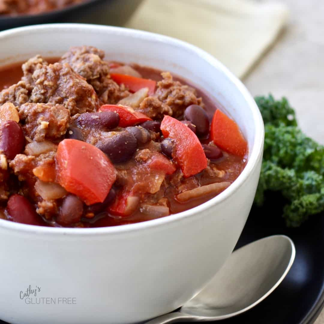Hearty Slow Cooker Chili with Beef, Pork, Tomatoes, and Peppers