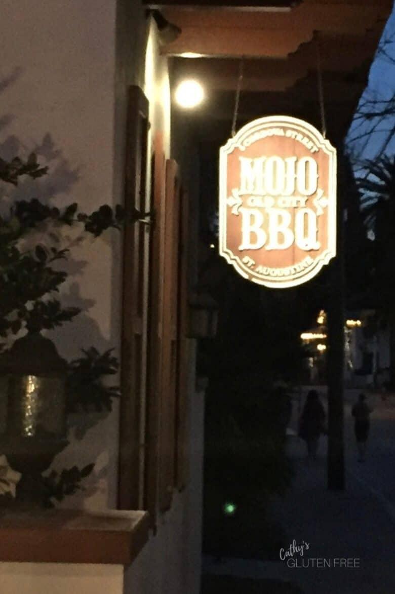 Mojo's BBQ Sign