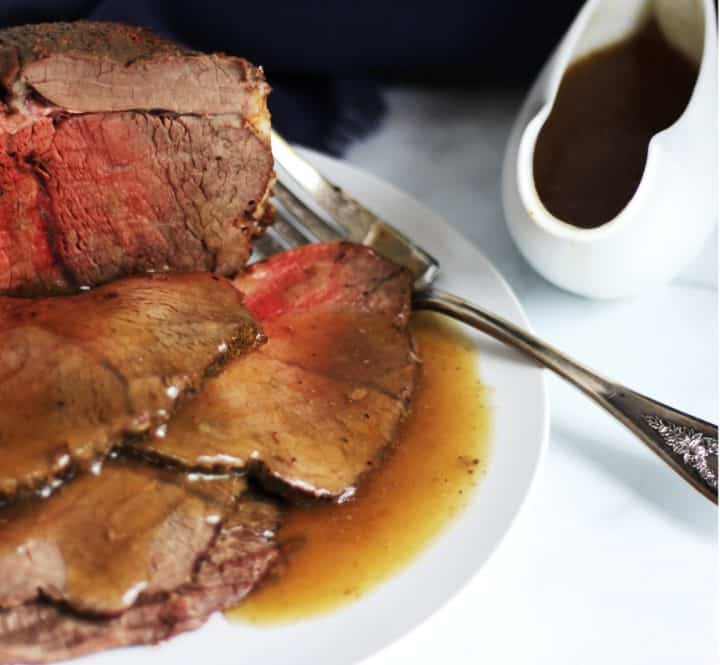 sliced roast beef with gluten free gravy