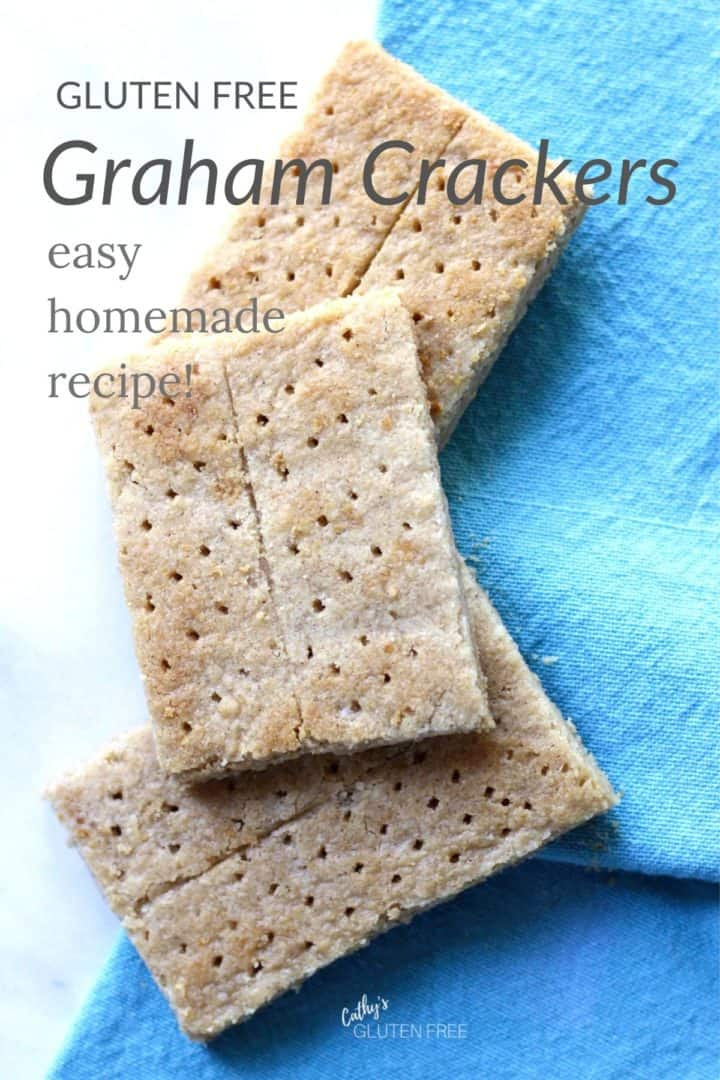 gluten free graham crackers on turquoise napkin with text